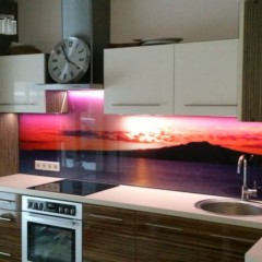 Photo glass for kitchen